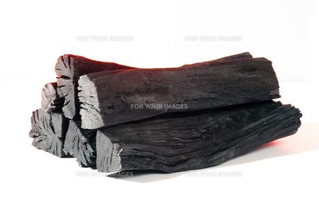 木炭の着火イメージの素材 [FYI00025477]