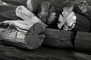 木炭の素材 [FYI00025481]