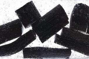 炭を使った水質浄化の素材 [FYI00025482]