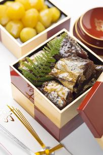 棒鱈と甘栗の正月料理の素材 [FYI00025955]