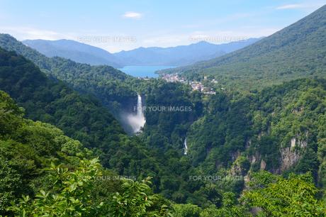 中禅寺湖と華厳の滝の素材 [FYI00064818]