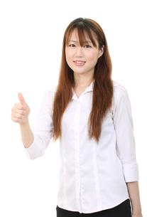 親指を立てる女性の素材 [FYI00084087]