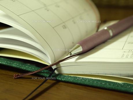 手帳とペンの素材 [FYI00108947]