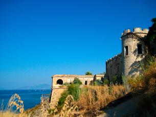 シシリーの海と城の素材 [FYI00169529]
