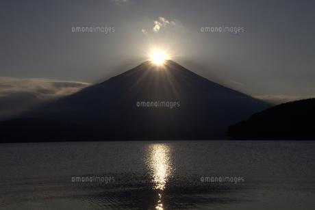 ダイヤモンド富士と山中湖 2の素材 [FYI00178177]