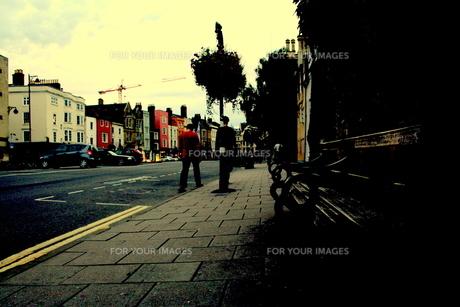 オックスフォードの街を歩くの素材 [FYI00180826]