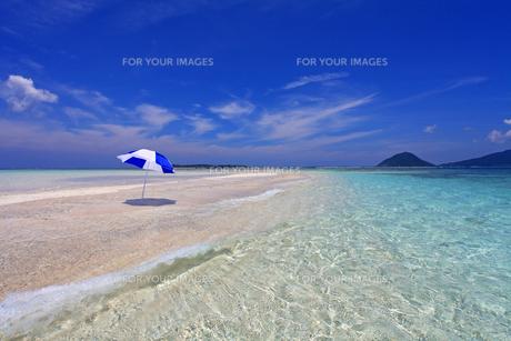 沖縄の美しい海と夏空の素材 [FYI00232025]