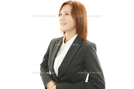 笑顔の女性の素材 [FYI00232058]
