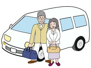 シニア夫婦のドライブ旅行の素材 [FYI00280668]