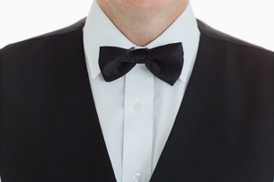 Close up of a Welldressed waiterの素材 [FYI00486579]