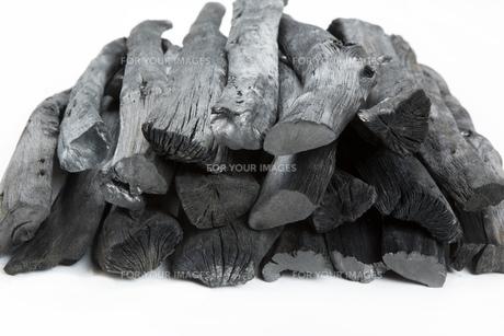 和歌山県産の備長炭の写真素材 [FYI00571932]