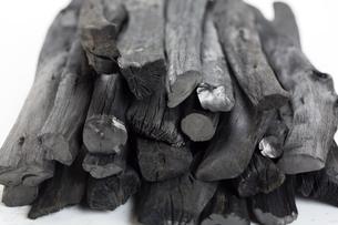 和歌山県産の備長炭の写真素材 [FYI00571934]