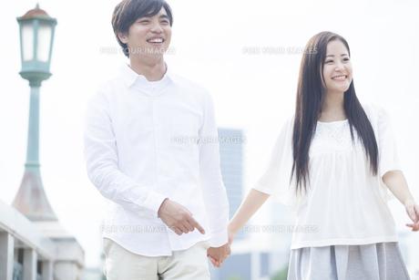 若い男女のカップルの素材 [FYI00921960]