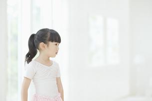 バレエ姿の女の子の素材 [FYI00935408]