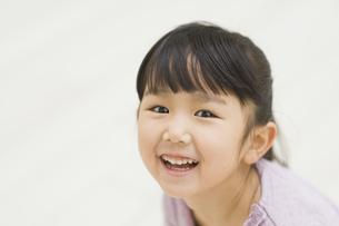 笑う女の子の素材 [FYI00935427]