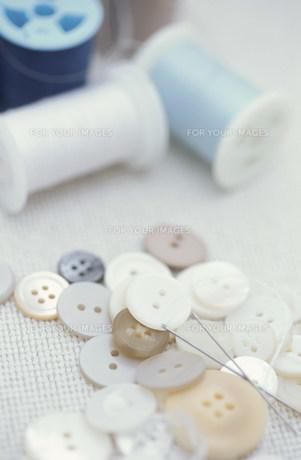 ボタンとミシン糸の素材 [FYI01122468]