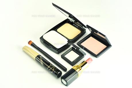 化粧品のセットの写真素材 [FYI01235170]